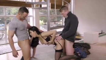 Honey is driving hunk eager with wet fellatio